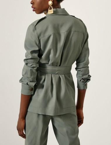 Σακάκι με τσέπες και επωμίδες