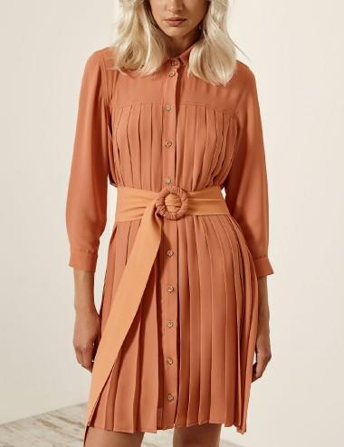 Φόρεμα σεμιζιέ πλισέ με ζώνη