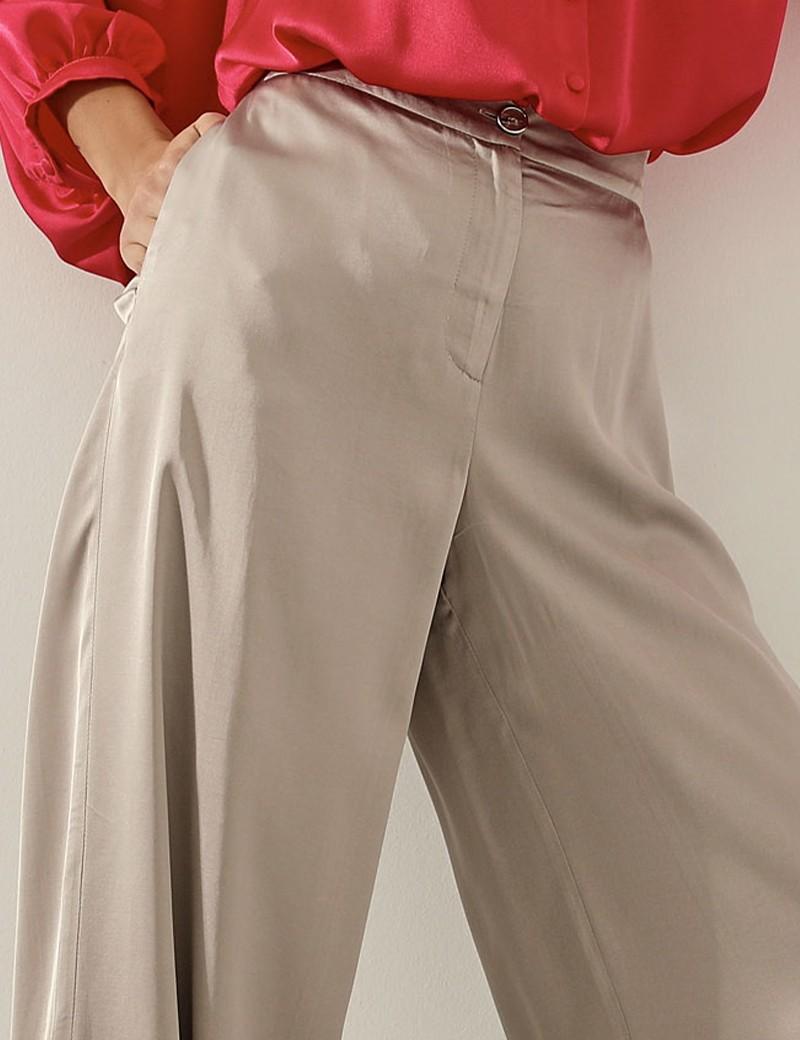 Παντελόνι σε φαρδιά γραμμή με σατέν όψη  ACCESS FASHION