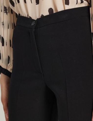 Παντελόνι μαύρο κρεπ σε άνετη γραμμή FOREL